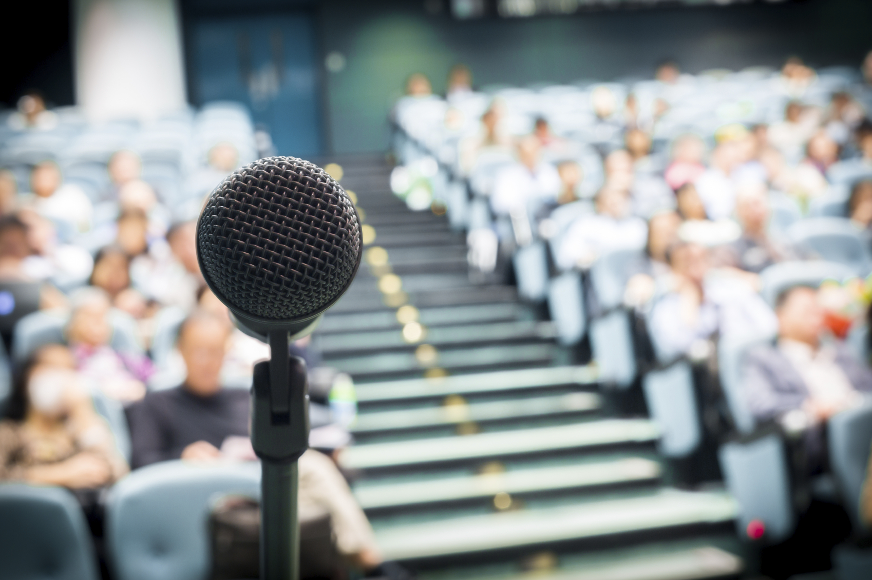 8 ways to become a better speaker