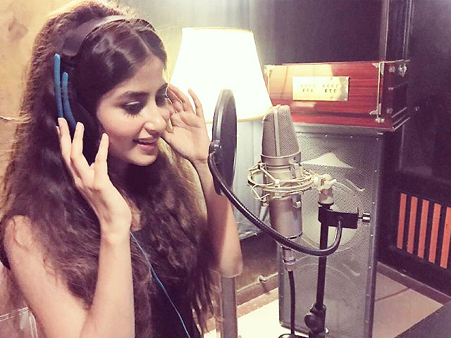 sajal aly s mesmerising singing debut has left us wondering when her solo album is coming out