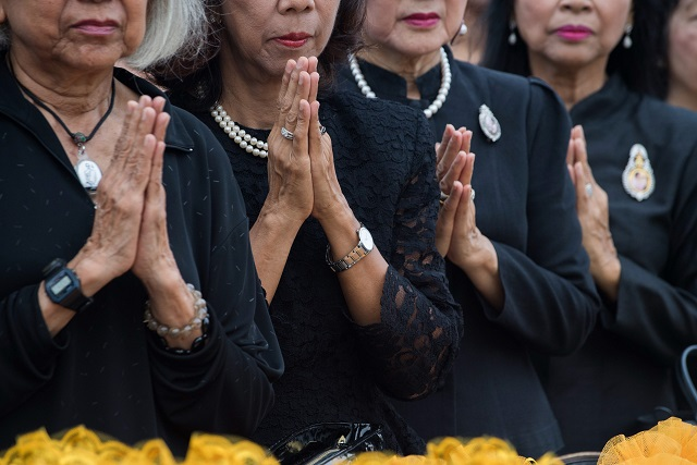 one year after king s death thais prepare for final goodbye