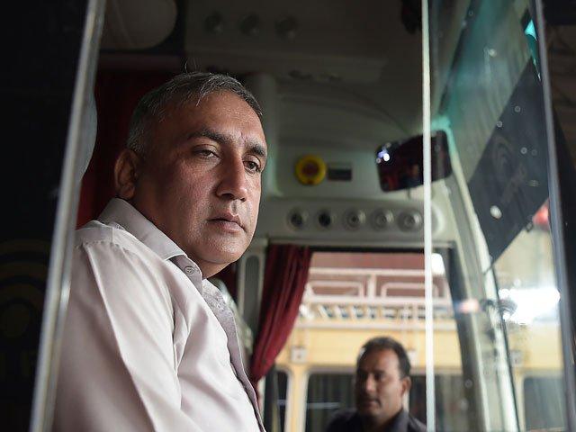 2009 bus attack hero hails brave sri lanka team