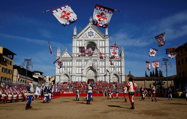 fragment falls off florence basilica killing spanish tourist