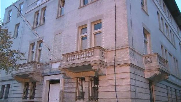 abandoned pakistani consulate sticks out like wart in upscale washington neighbourhood