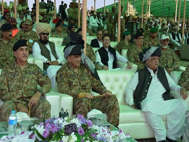 Army Chief Gen Qamar Javed Bajwa, along with K-P Governor Iqbal Zafar Jhagra, watching Pakistan Motor Rally 2017 in South Waziristan on Thursday. PHOTO: ISPR