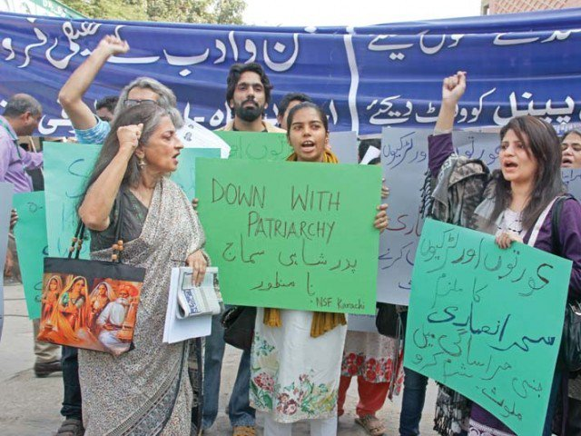 despite sexual harassment claims karachi arts council invites sahar ansari to preside over literary event