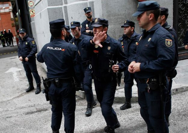 spanish police shoot unarmed frenchman who shouted allahu akbar