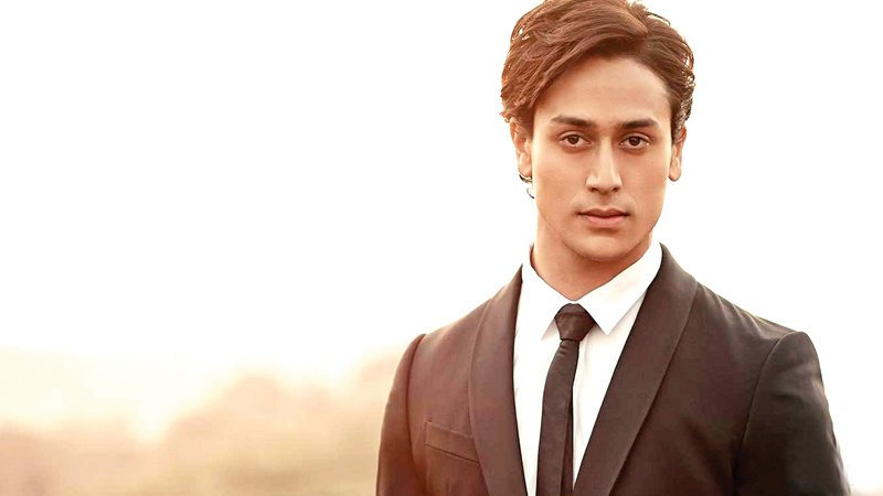 tiger shroff just revealed poster of student of the year 2 and it s something