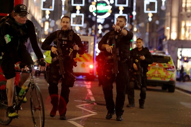 16 hurt fleeing false terror alert in london s oxford st