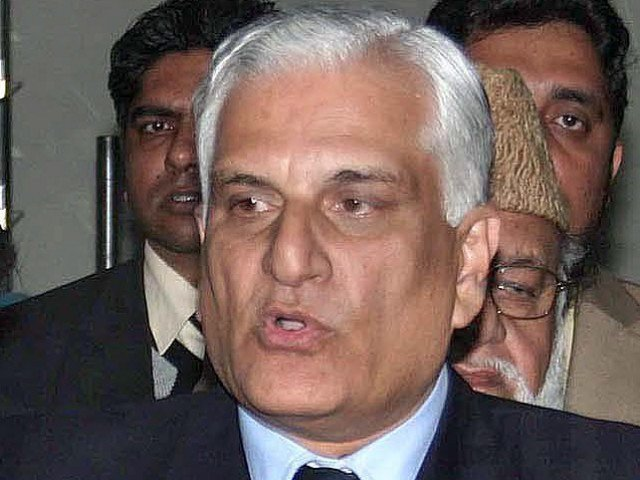 caving in to faizabad protesters demand law minister zahid hamid is ready to resign