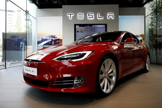 tesla comes under growing china pressure after customer complaint