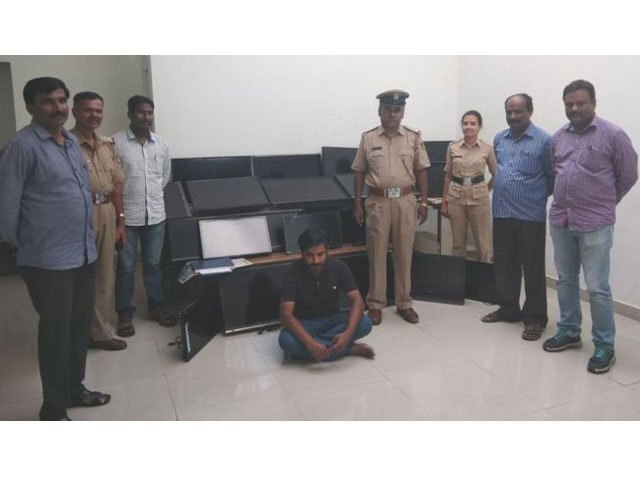 indian serial thief stole 120 hotel tvs