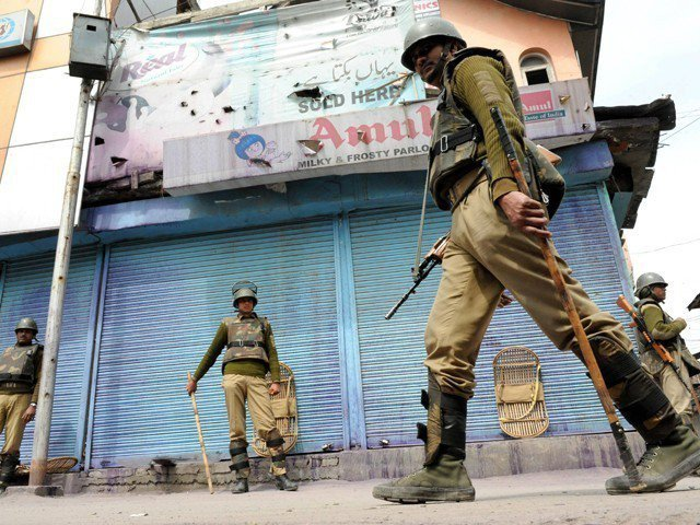indian troops martyr five kashmiri youth injure several others