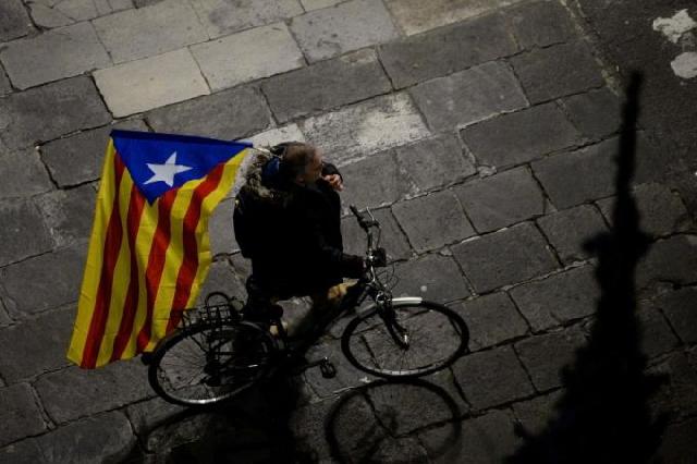 catalan crisis paralyses spanish politics