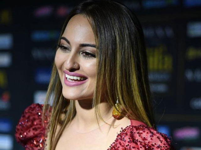 men are more insecure they even gossip more than women sonakshi sinha