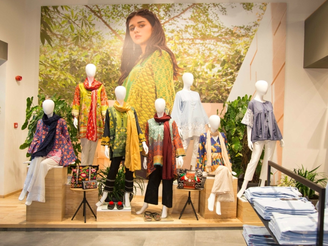 khaadi opens first store in faisalabad