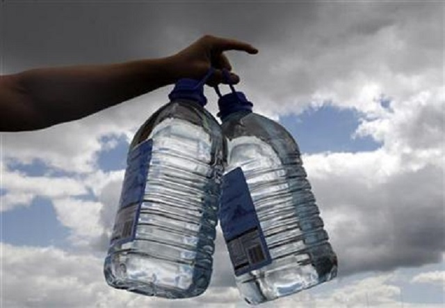 students exposed to unsafe drinking water in karachi report