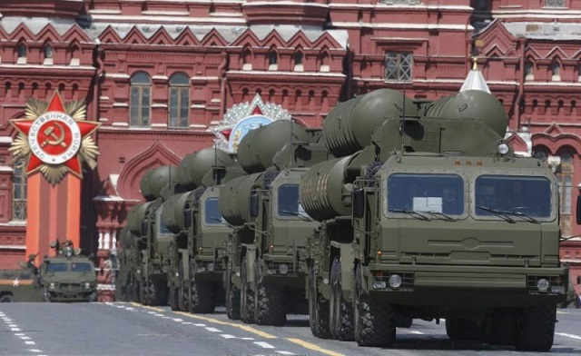 russian s 400 triumph medium range and long range surface to air missile systems drive during the victory day parade at red square in moscow russia may 9 2015 photo reuters