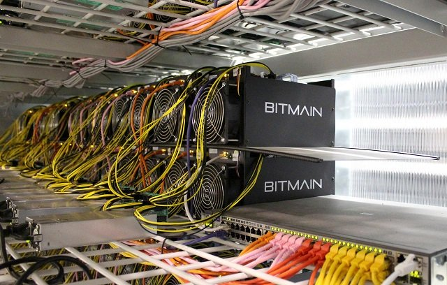 Bitcoin mining computers are pictured in Bitmain's mining farm near Keflavik, Iceland, June 4, 2016.   PHOTO: REUTERS