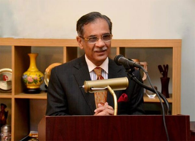 """Chief Justice of Pakistan Mian Saqib Nisar questions: """"Why there is a shortage of water in Karachi... and how come water tankers are not affected by it? Why there is a water shortage in DHA… have some fear of the Almighty, how can poor purchase two tankers in a month?"""" PHOTO: EXPRESS/FILE"""
