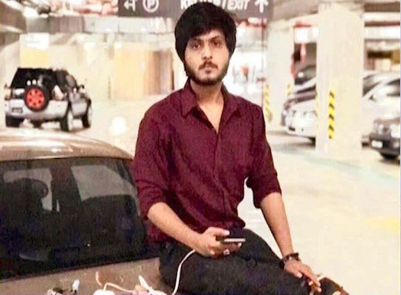 Cops claim they mistook Intizar as a car snatcher, family calls the incident intended killing. EXPRESS NEWS SCREEN GRAB