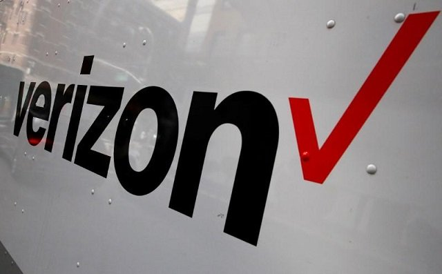 verizon says new us tax law to increase fourth quarter earnings