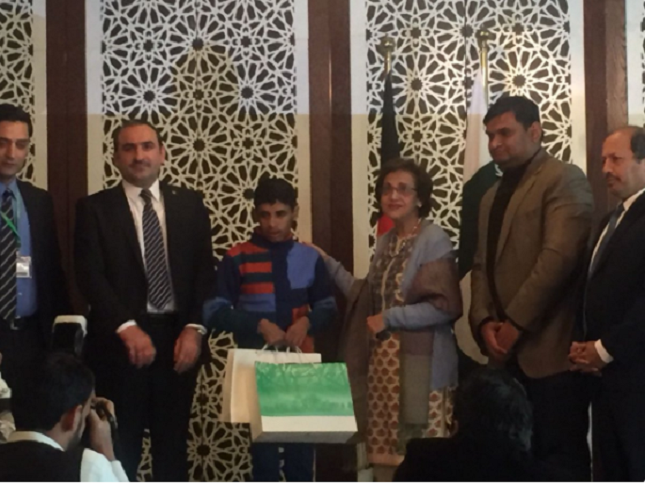 pakistan reunites afghan child with family