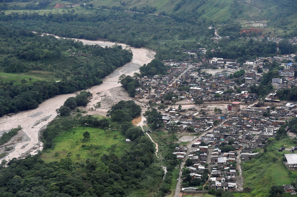 landslide kills 13 in colombia