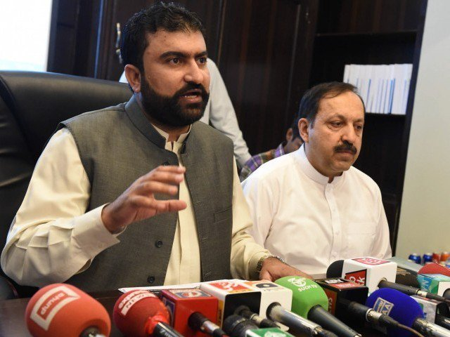 Balochistan Home Minister Sarfaraz Bugti addresses a press conference in Quetta in August 2, 2015. PHOTO: BANARAS KHAN/EXPRESS