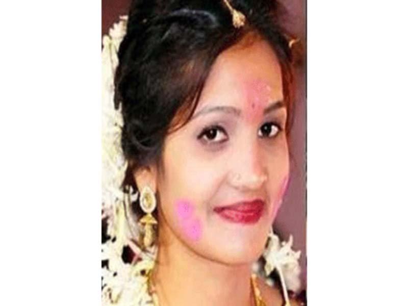 heartbroken indian girl films her own death sends video to lover