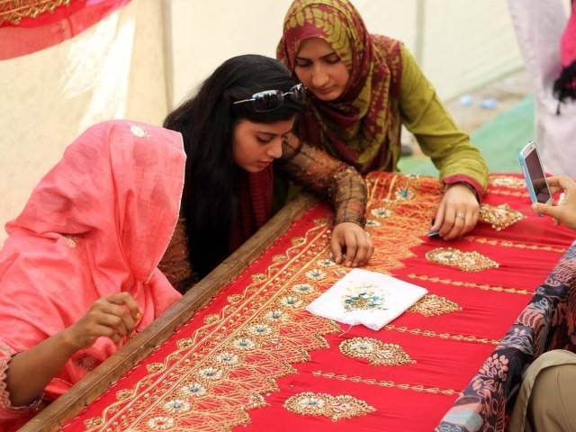 according to project chief a number of youngsters age 16 to 29 years old with at least 35 females are undergoing free training in bahawalpur multan lodhran and muzaffargarh photo ppi file