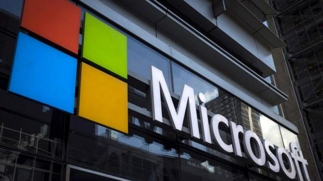 revenue from what microsoft calls its intelligent cloud segment rose 15 3 percent to 7 8 billion in the company s fiscal second quarter photo reuters