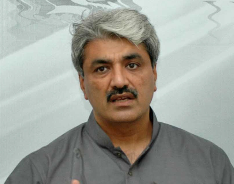 salman rafiq orders to work in two shifts for timely completion photo waseem niaz