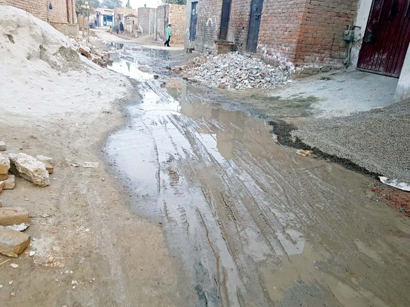 neglected for years bahawalpur s largest slum wading in its own filth