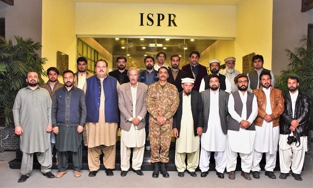 The journalists had an interactive session with the ISPR representative. PHOTO: ISPR