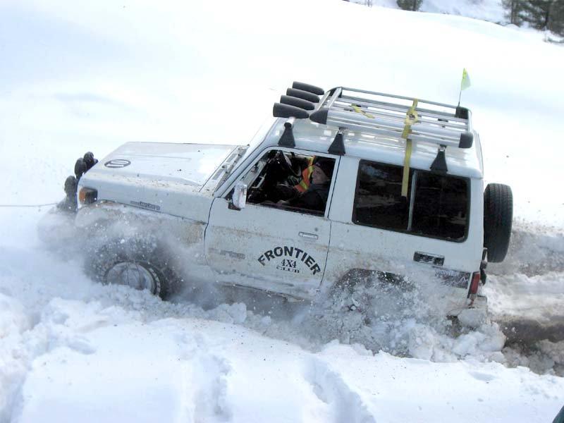 snow and smoke amir saeed bags kalam jeep snowcross