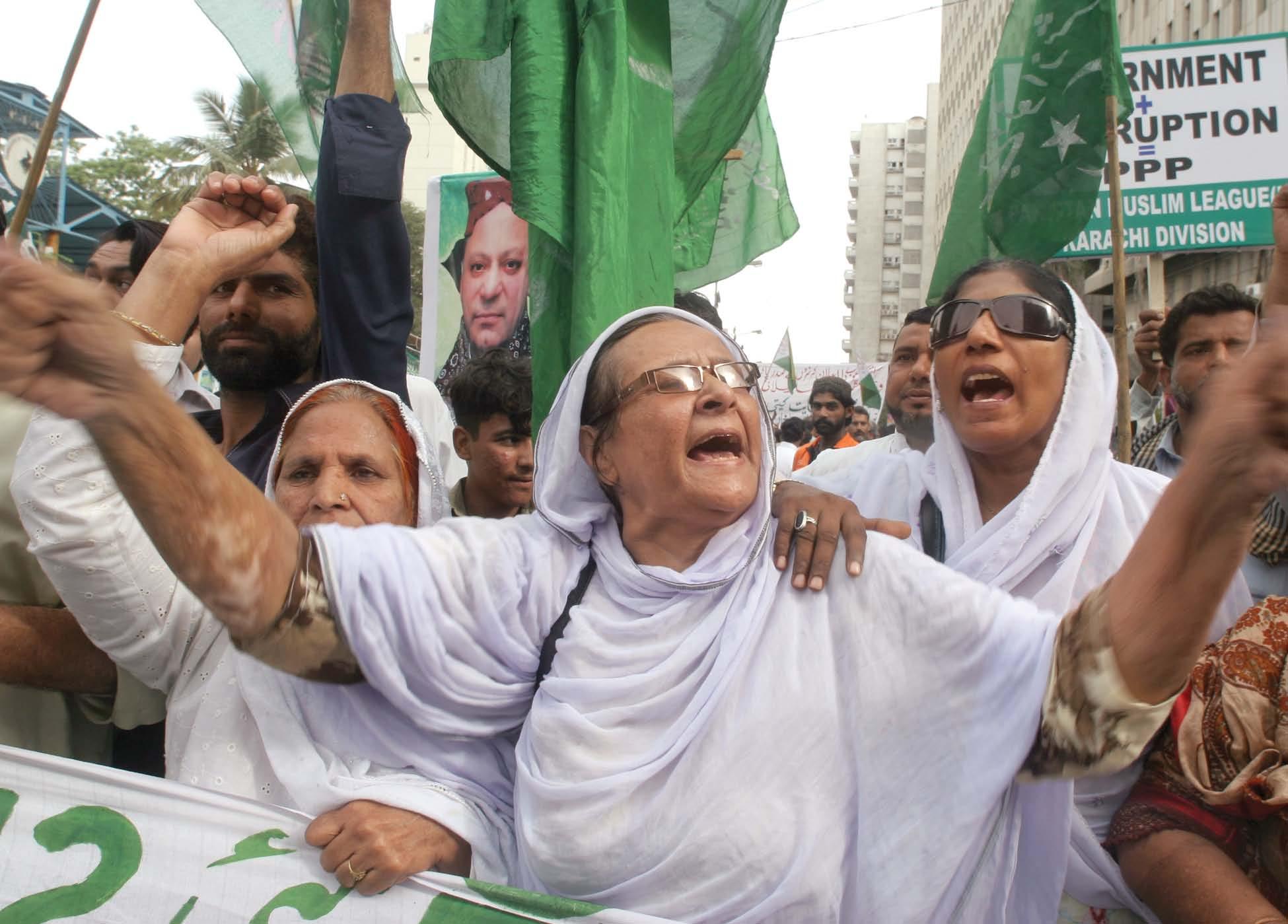 pml n wokers take part in the rally in karachi photo athar khan