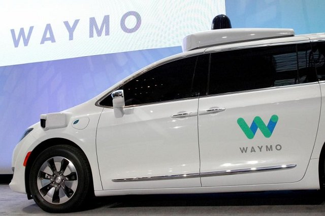 waymo unveils a self driving chrysler pacifica minivan during the north american international auto show in detroit michigan us january 8 2017 photo reuters
