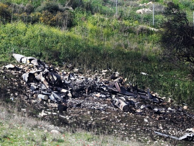 israel s f 16 crashes after attacking iranian targets in syria
