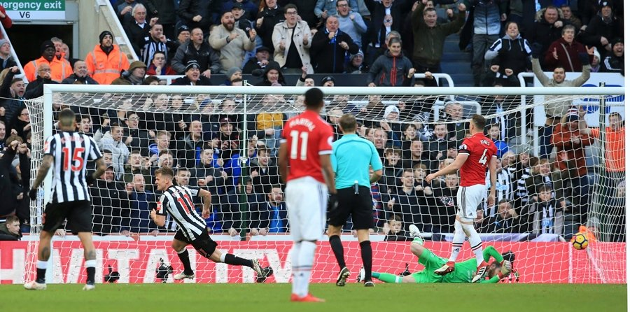 putting everything on the line jose mourinho believes newcastle s 1 0 win over united was possible because the home side s players fought like animals photo afp