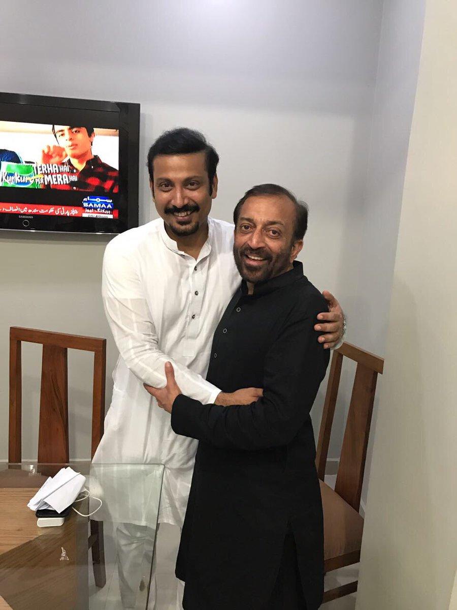 mqm p chief dr farooq sattar hugs faisal subzwari photo faisal subzwari twitter