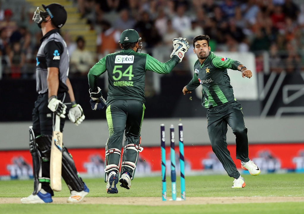 pakistan retained the top spot they won with a series win against new zealand by a mere 0 19 points photo afp