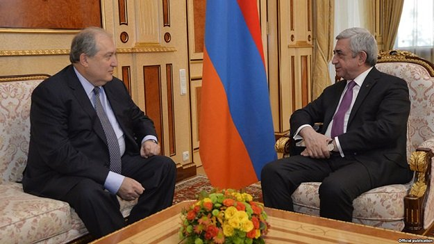 armen sarkissian l former armenian prime minister is currently serving as armenia s ambassador to britain he will succeed president serzh sarkisian r as head of state in april photo massispost