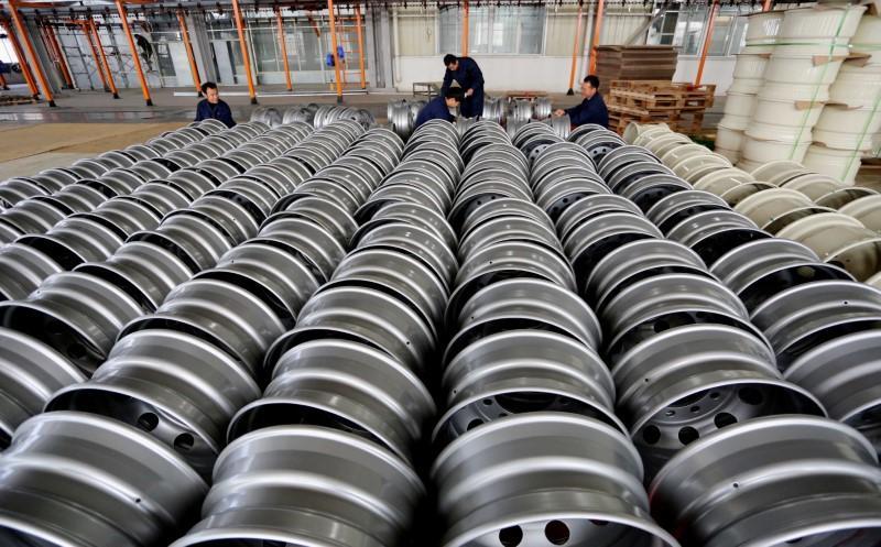 wto warns of trade war over new trump tariffs