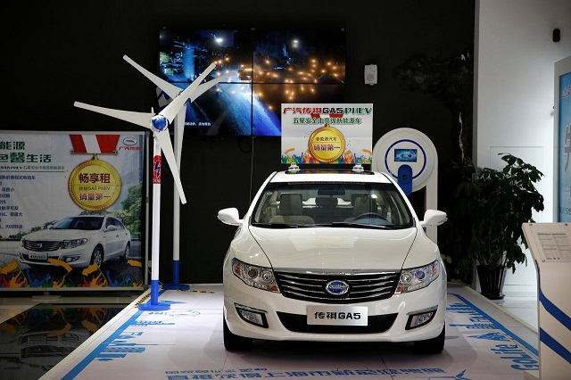 a trumpchi ga5 hybrid electric car is displayed at an electric car dealership in shanghai china january 11 2017 photo reuters