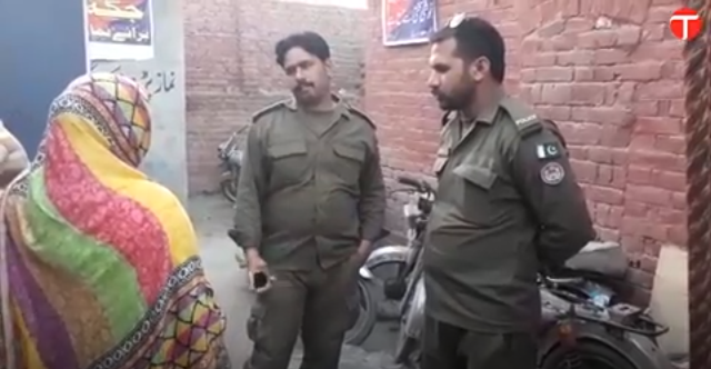 woman accuses police officials of looting her in lahore