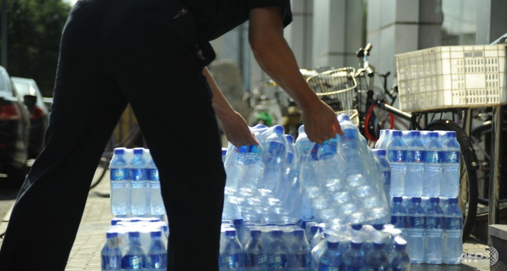 world s leading bottled water brands contaminated with plastic particles report