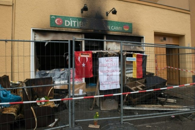german muslim groups ask for support after mosque attacks