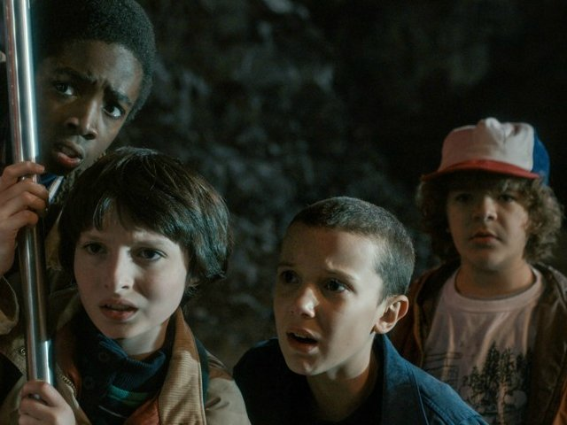 stars of stranger things to now get six figures per episode