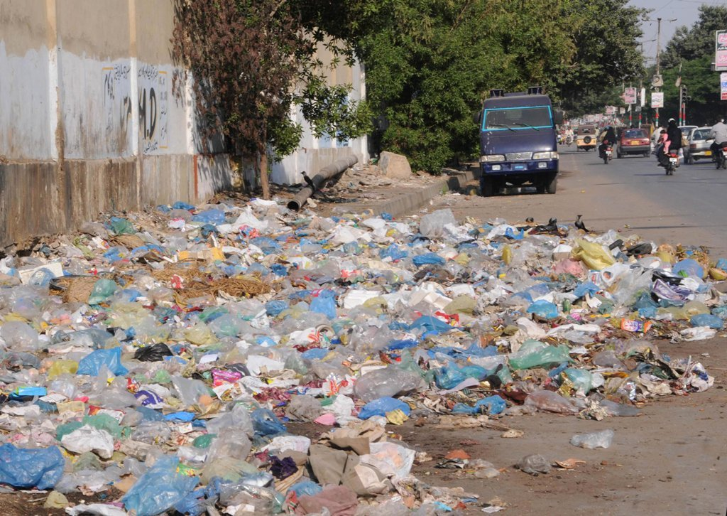 judicial commission bans garbage throwing into nullahs in karachi