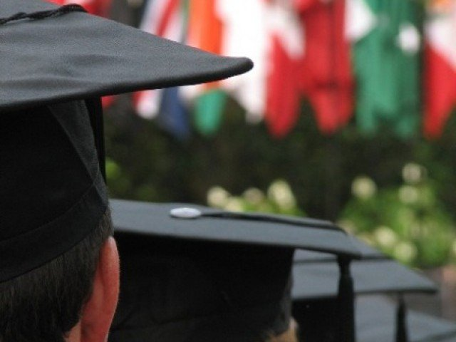 12 pakistanis receive study uk alumni awards 2018