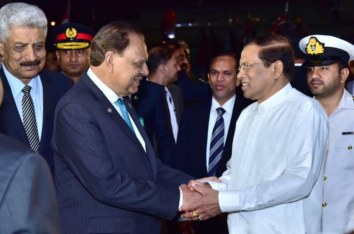 pakistan sri lanka vow to work together for regional peace